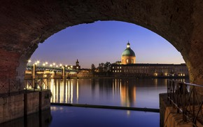 Picture the city, night, Toulouse