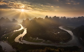Picture the sun, light, mountains, river, valley, China