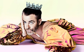Picture background, crown, cigarette, outfit, actor, lies, image, Prince, on the floor, photoshoot, Chris Pine, king, …