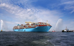 Picture Salute, The ship, Cargo, A container ship, Meeting, Tugs, Container, Maersk, Maersk Line, Cargo, Tug, …