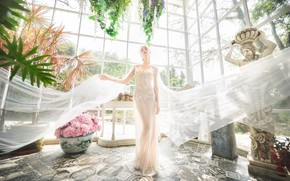 Picture face, background, model, figure, dress, fabric, rays of light
