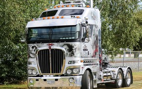 Picture white, truck, Kenworth, hrome