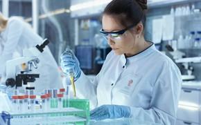 Picture woman, scientist, laboratory