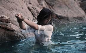 Picture water, girl, rope, release, Greta Larosa