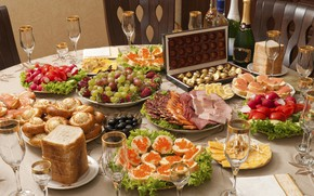 Picture strawberry, bread, candy, grapes, meat, fruit, champagne, feast, caviar, cutting, salad, olives, sandwiches, cuts, radishes