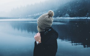 Picture girl, snow, lake, photo, hat, Daniel Casson