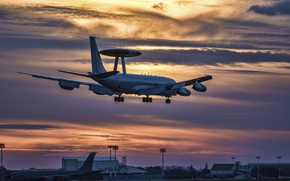 Picture the evening, the plane, the rise, far, detection, radar, Sentry, Boeing E-3