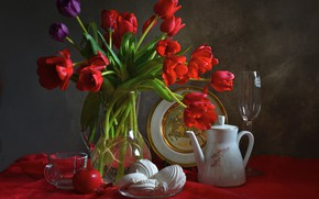 Picture glass, bouquet, tulips, dishes, still life, composition