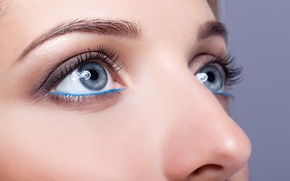 Picture blue eyes, female, make up