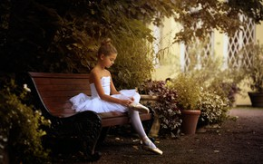 Picture girl, ballerina, bench, Pointe shoes