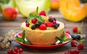 Picture berries, raspberry, strawberry, fruit, currants, melon, salad, dessert, fruit salad