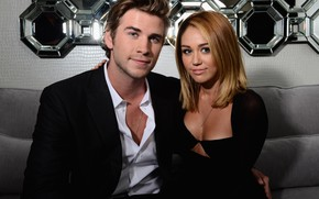 Picture look, pose, two, Miley Cyrus, Miley Cyrus, Liam Hemsworth, Liam Hemsworth