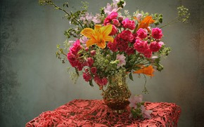 Picture table, Lily, roses, bouquet, vase, tablecloth