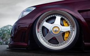 Picture wheel, nose, Mercedes - Benz, W212, yellow 6-pot Brembo calipers, 20-inch OZ Racing Futura wheels