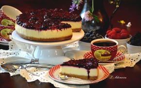 Picture berries, coffee, pie