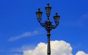 Picture the sky, clouds, the city, lantern