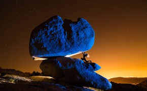 Picture girl, night, stones