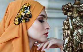 Picture girl, makeup, shawl, brooch