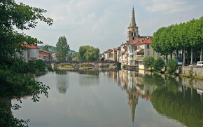 Picture bridge, the city, river, France, Ariège, Saint-Girons