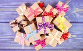 Wallpaper box, gifts, wood, bow, tape, gifts
