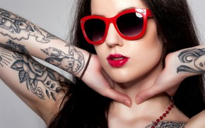 Picture face, hands, lipstick, tattoo, glasses, Jack Russell, Verity Rose