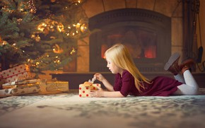 Picture decoration, room, holiday, new year, Christmas, girl, gifts, tree, fireplace, child, box