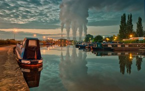 Picture boat, ship, England, couples, channel, cooling tower, power station Ratcliffe