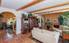 Picture interior, living room, dining room, ranch