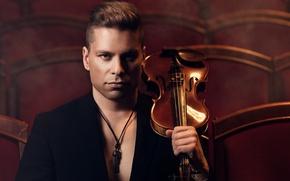 Picture violin, theatre, musician, violinist, Antti Untamala