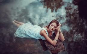 Picture girl, lake, Aina