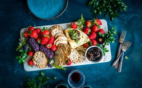 Picture berries, food, cheese, cookies, strawberry, wine, berries, cheese, biscuits