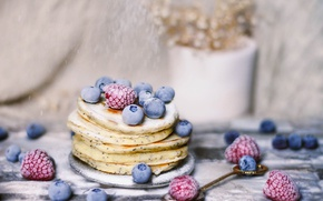 Picture berries, raspberry, food, blueberries, pancakes, delicious, powdered sugar, pancakes