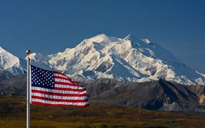 Picture mountains, snow, flag