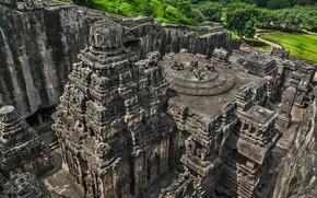 Picture rocks, India, temple, Ellora, The [kaylasanatkhe]