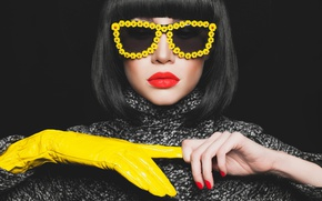 Picture fashion, model, brunette, yellow eyeglasses, Yellow glove