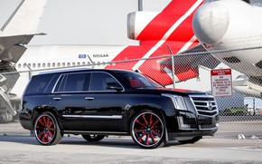 Picture Cadillac, Escalade, Airport