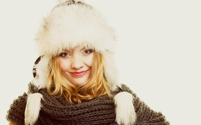 Picture smile, background, hat, portrait, makeup, scarf, hairstyle, blonde
