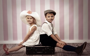 Picture Children, Two, Suitcase