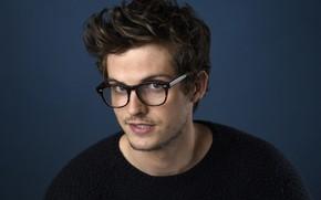 Picture glasses, actor, Daniel Sharman