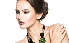 Picture look, girl, green, model, portrait, beautiful, face, jewelry, the hand on the shoulder
