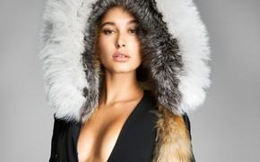 Picture portrait, fur, Hailey Baldwin