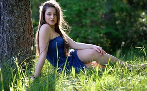 Picture look, legs, given, Dana Gerhardt, sitting on the grass