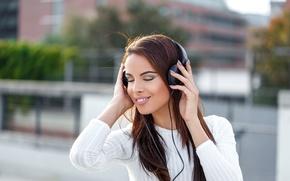 Picture music, headphones, female