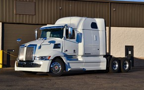 Picture white, tractor, chromium, western star, 5700xe