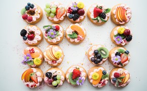 Picture flowers, berries, decoration, cake, fruit, cream, dessert, cakes, sweet