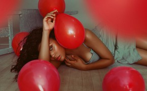 Picture look, girl, pose, mood, balls, red, on the floor, balloons