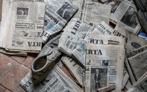 Wallpaper shoes, Newspapers, background