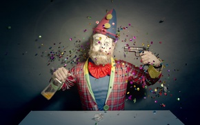 Picture gun, clown, confetti