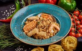 Picture figure, tomatoes, shrimp, salmon, shellfish, paella