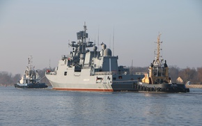 Picture ship, frigate, tugs, guard, access to the sea, the project 11356, Admiral Essen